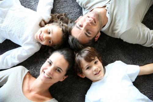semeistvo-shtastie-roditeli-deca-255763-500x334